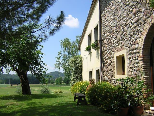 Cottage near Mantova and Verona - Monzambano - Leilighet