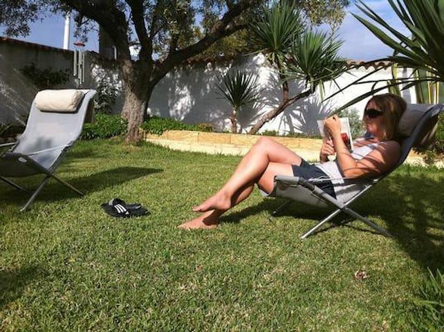 Villa Blumenhaus: Ferienwohnung Lino - Sellia Marina