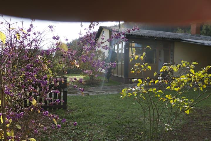 Great house with garden near lake.  - Unterburg am Klopeiner See - Casa