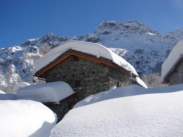 Chalet Walser Matterhorn region  CAV Champlève - Valtournenche - Ház