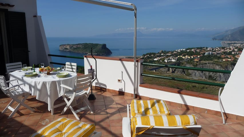 upscale and private with great view - San Nicola Arcella - アパート
