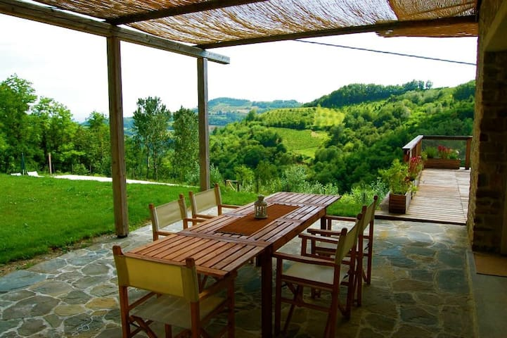Barbera Apartment-La Ginestra - Bistagno - Appartement