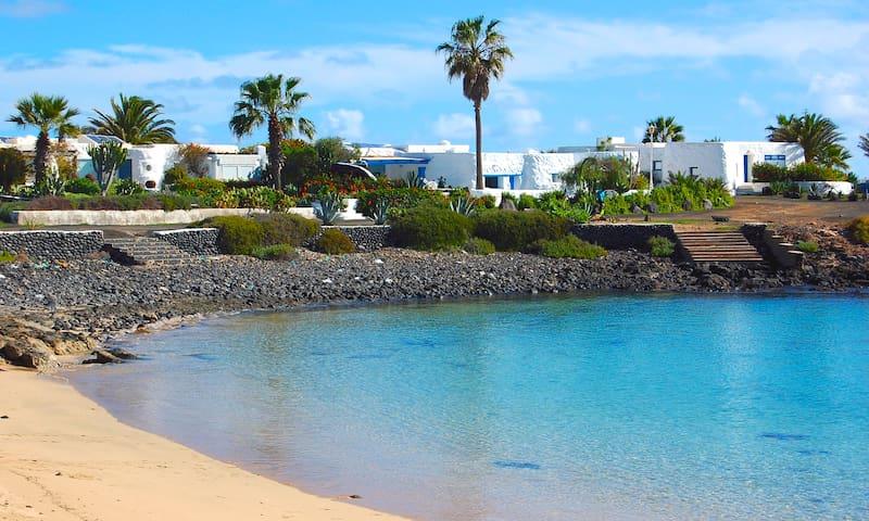 Seaside Villa • La Graciosa - Casas de Pedro Barba - Huvila