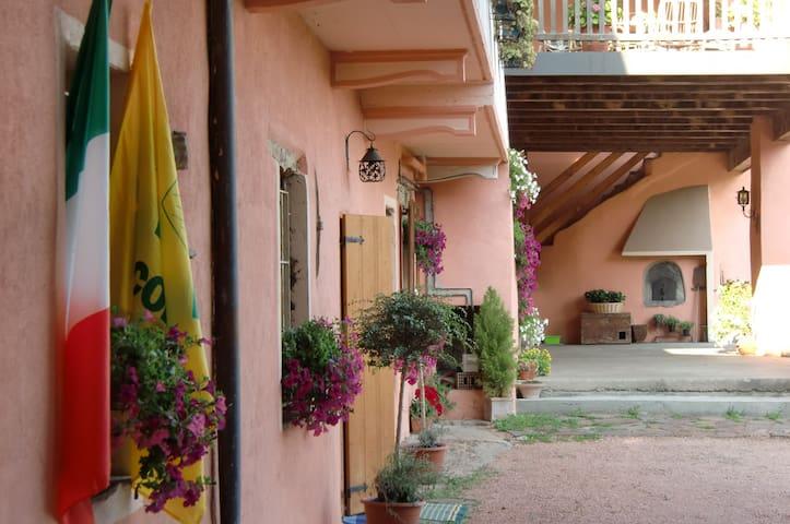 Family Farm House in Varese - Arcisate