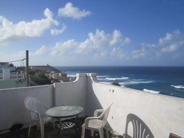 OLD  CITY PENTHOUSE with GREAT OCEAN/CITY VIEWS ! - San Juan - Departamento