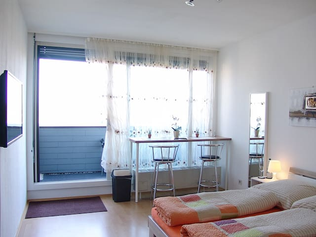 Clean, sunny, quiet, centrally, new - Augsburg - Appartement