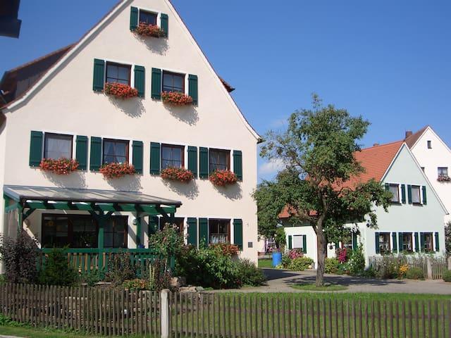 Casa y vacaciones Nuremberg casera - Neuendettelsau - Casa