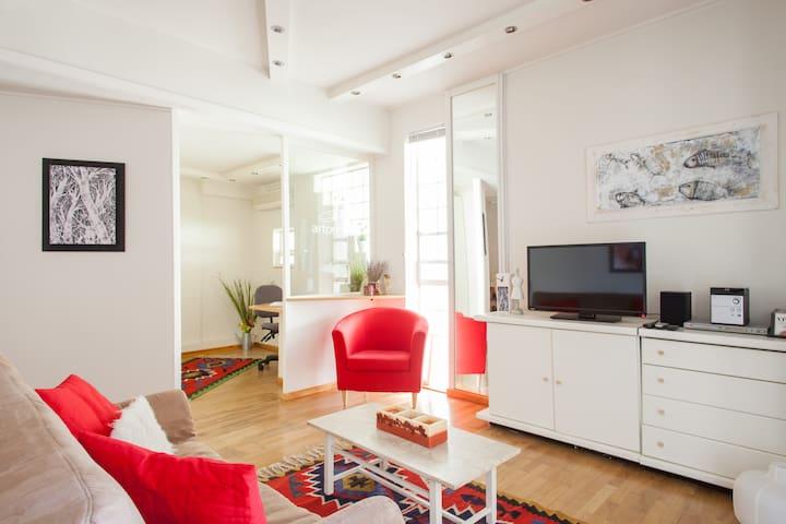 A quiet apartment in a garden  - Kifisia - Leilighet