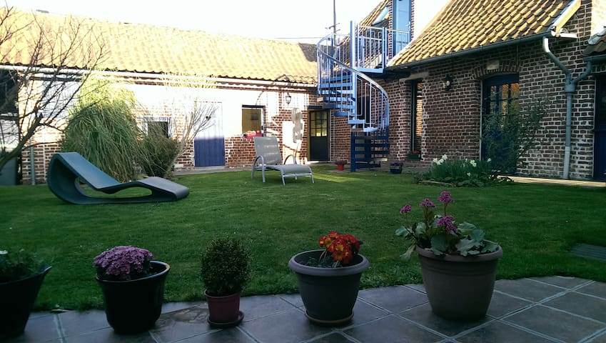 Charming room in a renovated stable - Lys-lez-Lannoy