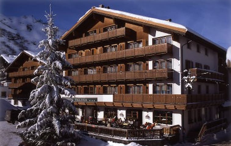 Superb apartment in Lech, Arlberg - Lech - Leilighet