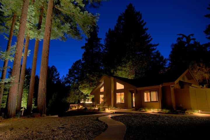 Luxury Compound in the Redwoods [Hot Tub+Fire Pit] - Cazadero - Tatil evi