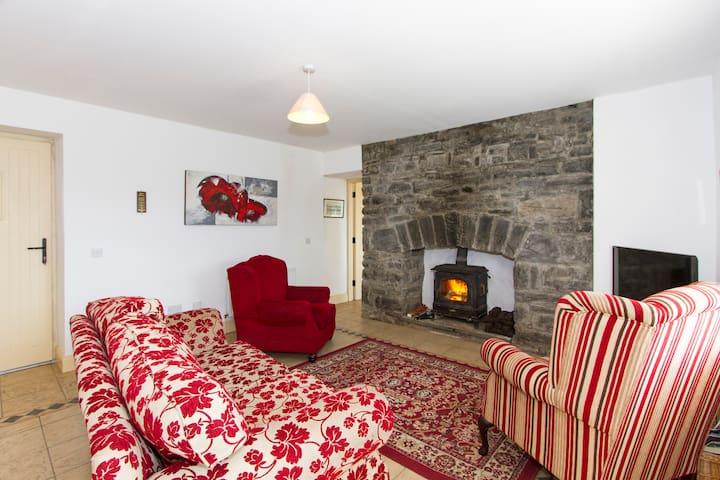 Old Stone Loft Cottage Ballyglass. - Mayo Abbey - Talo