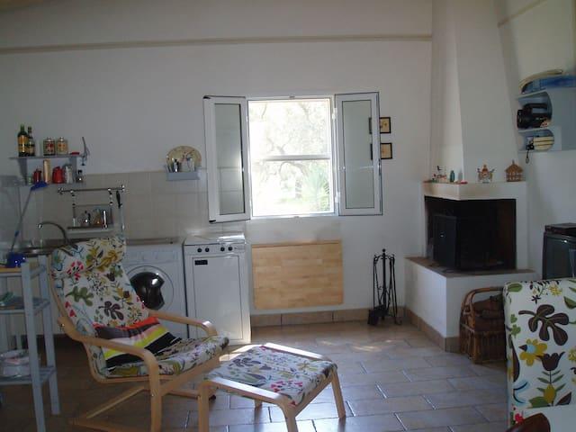 Casetta rurale in vasta pineta - Squinzano - Talo