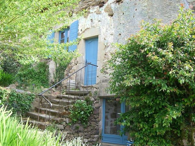 Ravissante maison de campagne - Saint-Bazile-de-la-Roche - Huis