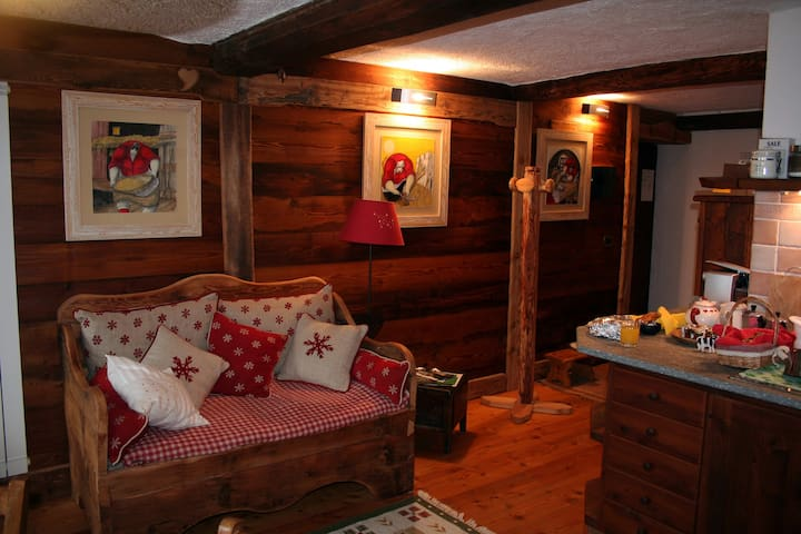 Charming Mountain House - Champorcher - Bed & Breakfast