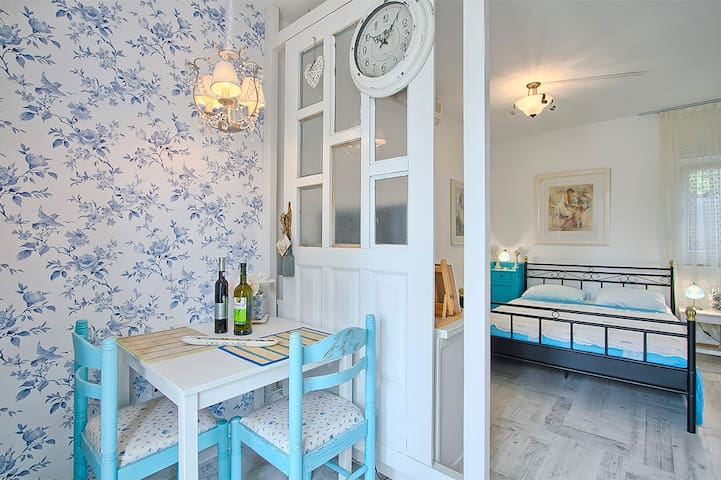 Villa Marizella - Blue studio - Premantura - Apartment