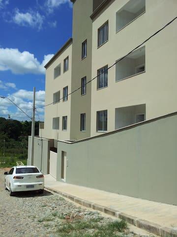 2 quartos c/suíte alto padrão novo - Brumadinho - Apartemen