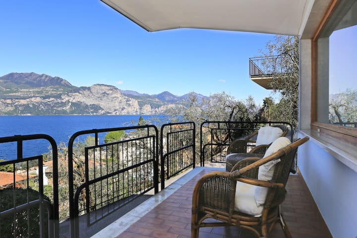Beautiful view directly on the lake - Brenzone - Departamento