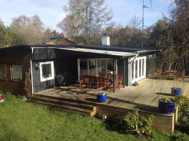 Dejligt familievenligt sommerhus - Vejby - Houten huisje