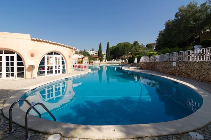 Sunny Spring 2 Bedroom Villa Wifi - Hot Pool! - Карвоэйро - Дом