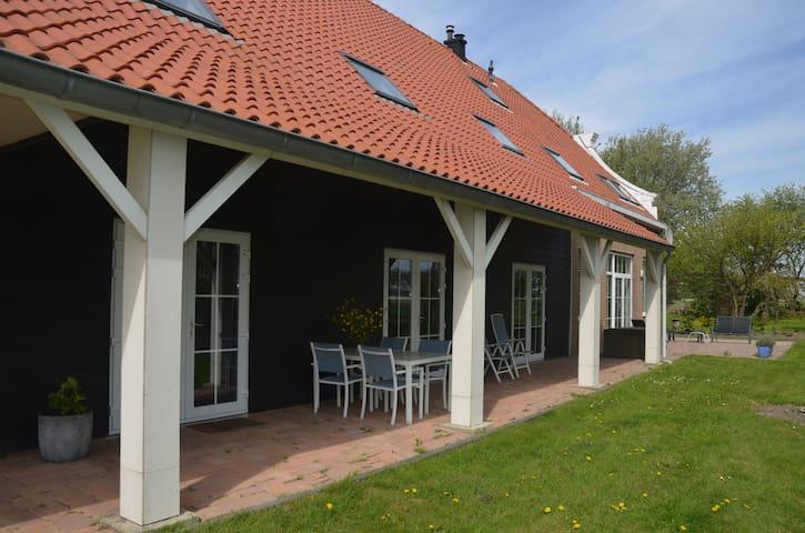 Apartment in farmhouse - Herkingen