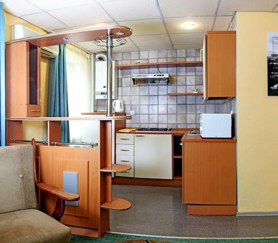 Cozy flat in the very center 35$ - Луганск