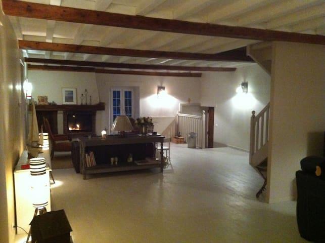 Maison XIXs 900m plages - Saint-Côme-de-Fresné - House