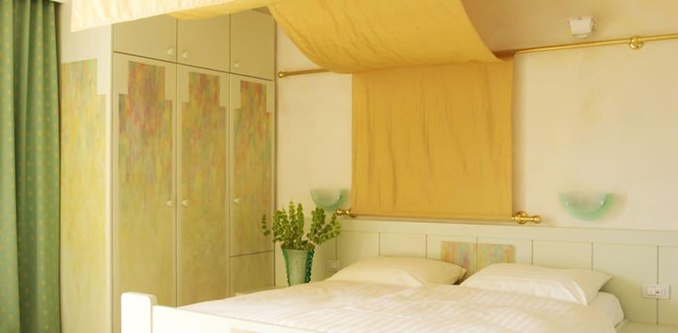 Art - Culture Hotel Maratscher - Algund - Bed & Breakfast