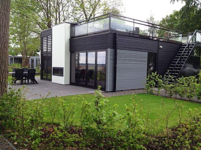 Prachtige luxe villa a/h Veluwemeer - Hulshorst - Huis