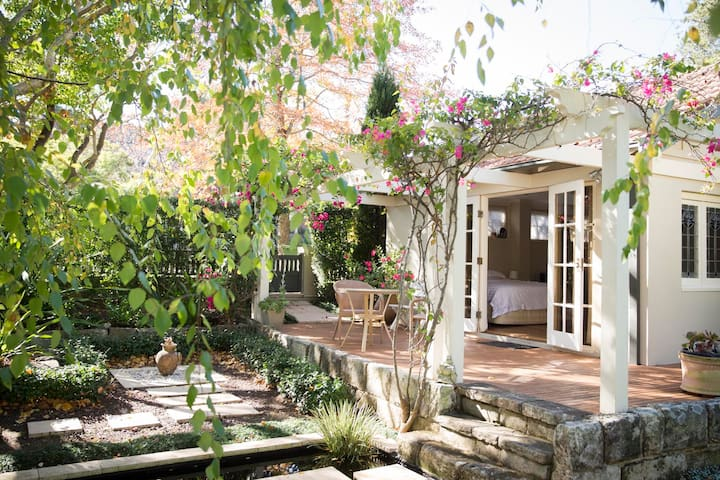 Absolute privacy 5 mins walk rail - Lindfield - Chalet