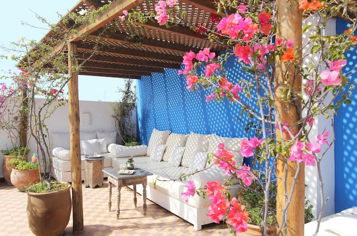 Stylish house + sunny private roof. - Marrakesh - Apartemen