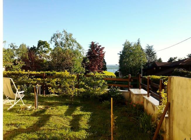 Relaxbarasso - House on the lakes - Barasso - Vila