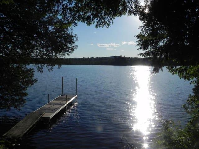 A Beautiful Lakefront Maine Cottage - Belgrade - Hytte