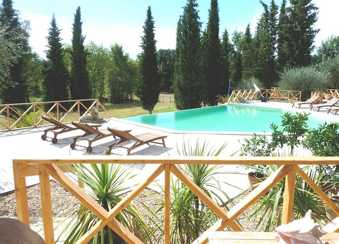 Luxurious private 100sqm studio with infinity pool - Châteauneuf-Grasse - Huoneisto