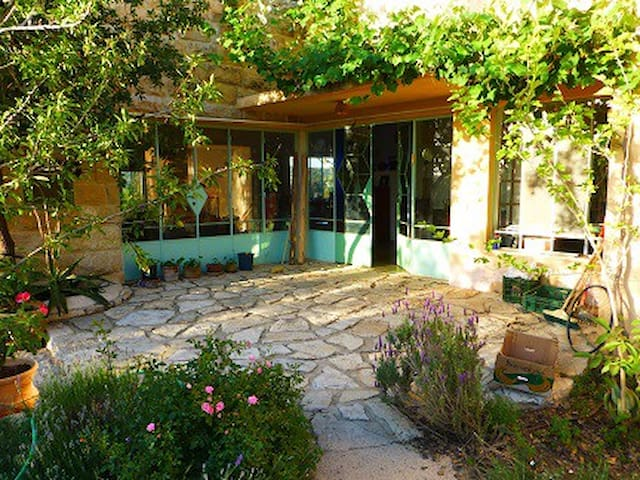 Beautiful stone house near Jerusalem - Givat Yearim - Hus