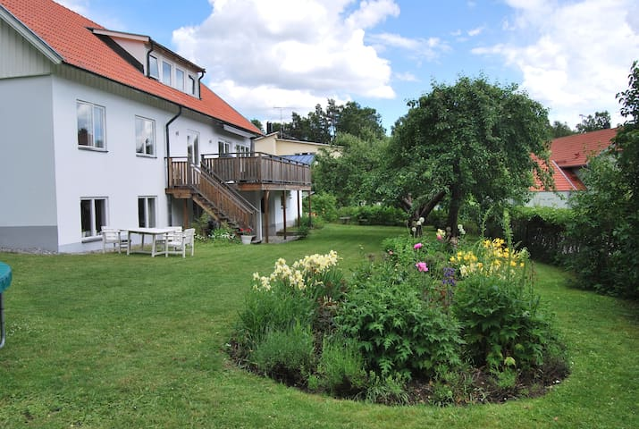 Large house close to Stockholm City - Danderyd - Villa