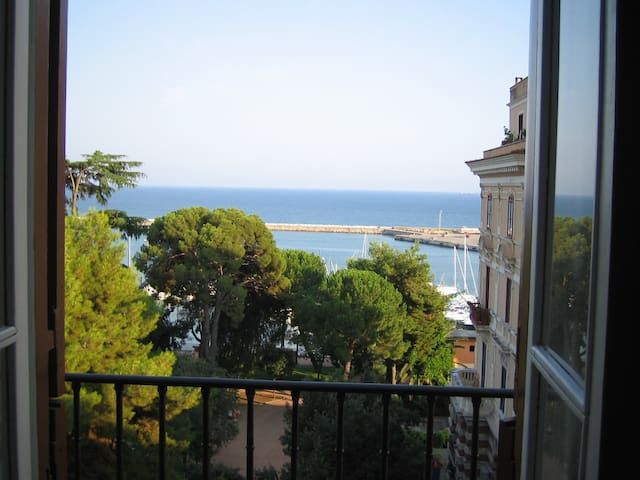 Elegant flat with exclusive seaview - Formia - Apartmen