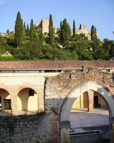 Hospitality in the hills of Verona. - Soave - Appartement