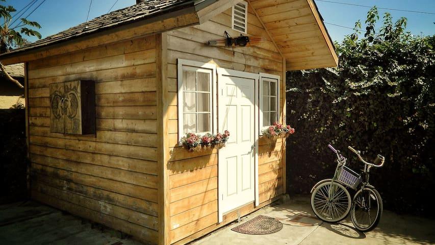 Cozy Cabin in Urban Los Angeles - Pico Rivera - Casa de campo