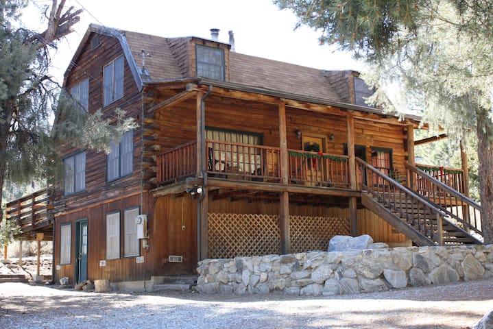 WALK TO VILLAGE | Sleeps 8 - Pine Mountain Club - Blockhütte