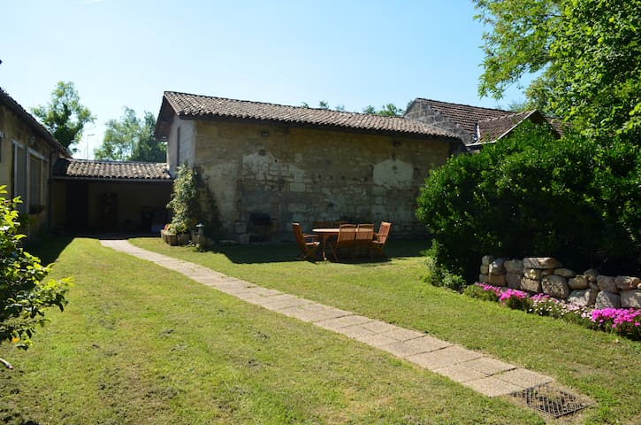 chambre grande villa 20min bordeaux - Saint-André-de-Cubzac