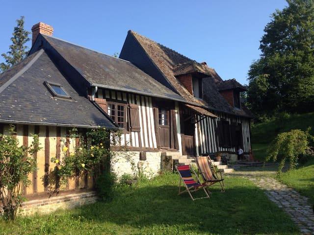 Charmante maison normande du 17ème  - Saint-Martin-de-Mailloc - Ev