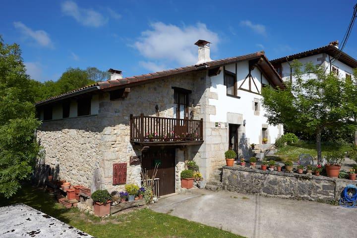 Nice country cottage - Baraibar - Huis