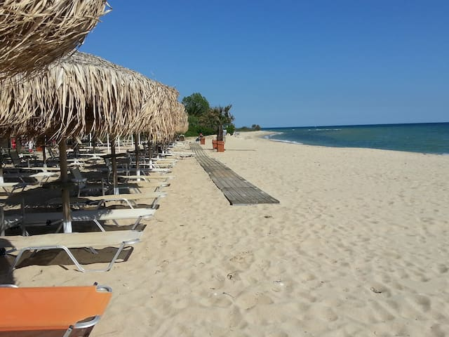 Ofrinio beach, kavala, Grèce . - Ofrinio Beach