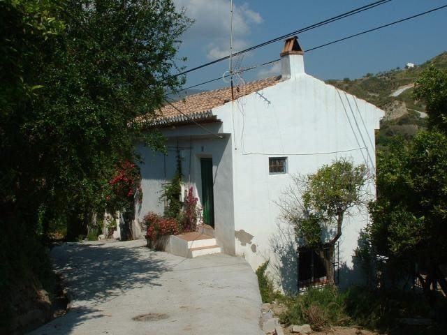 Organic Farmhouse - La Fabrica - Restábal - Ev