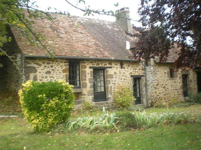 Maison de campagne avec jardin - Moitron-sur-Sarthe - Huis