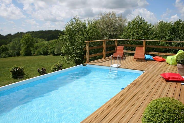 Cottage / Gite near Pompadour - Beyssac - Houten huisje