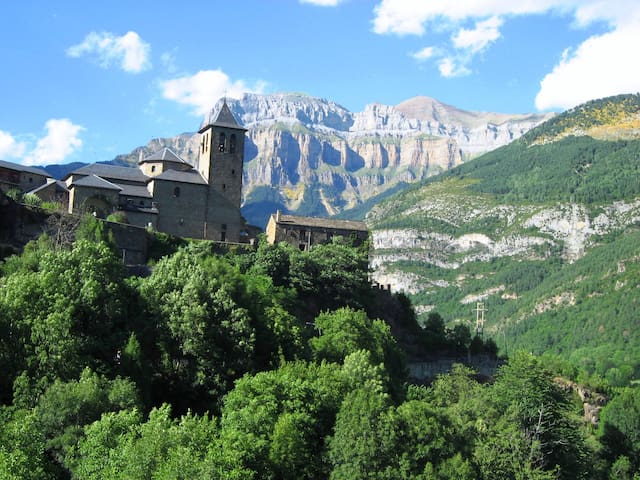 Cottage in Torla, Ordesa, Pyrenees - Torla