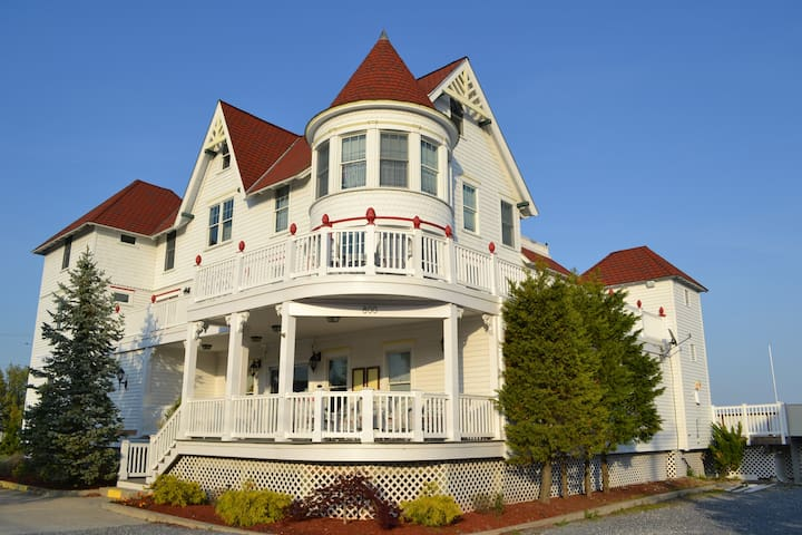 TAVERN ON THE BAY RESORT - Somers Point - 家庭式旅館