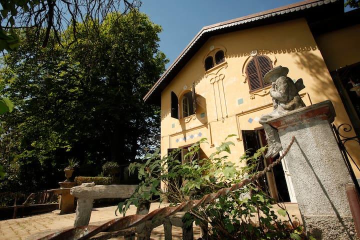 """La Vigna"", langhe - Bra - Villa"